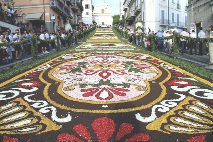 ジェンツァーノ花祭り