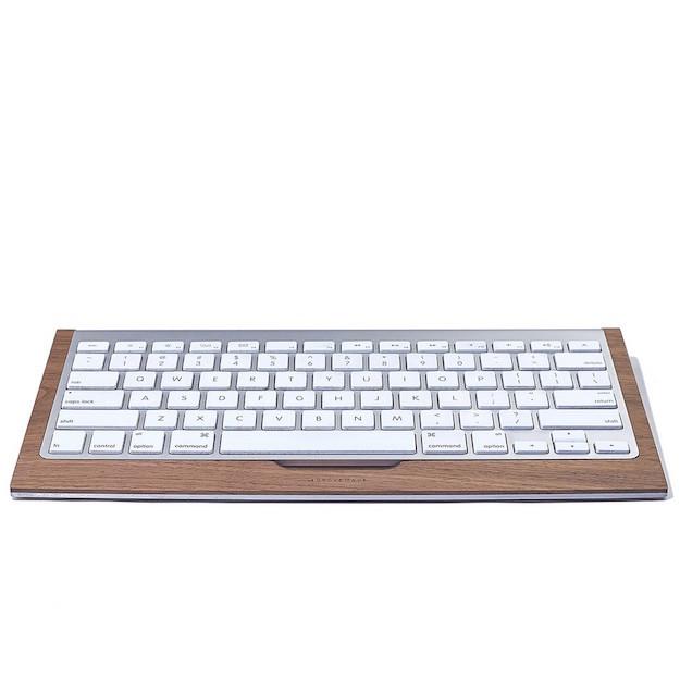 walnut-desk-collection-keyboard-gal-A3_1000x1000_90